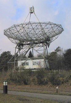 Dwingeloo radio dish from Wikipedia image